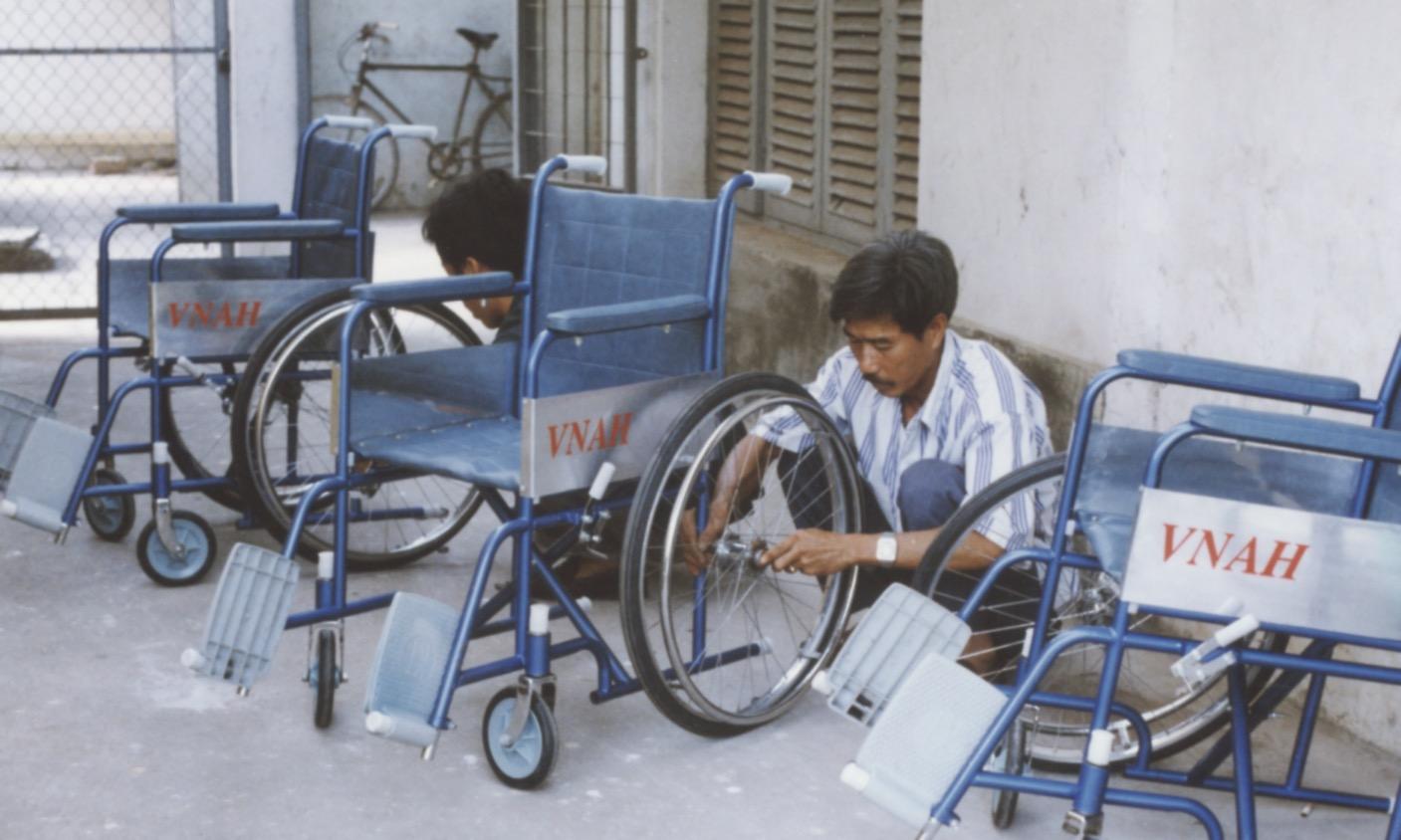 1996 VNAH Amputees - 126.jpeg