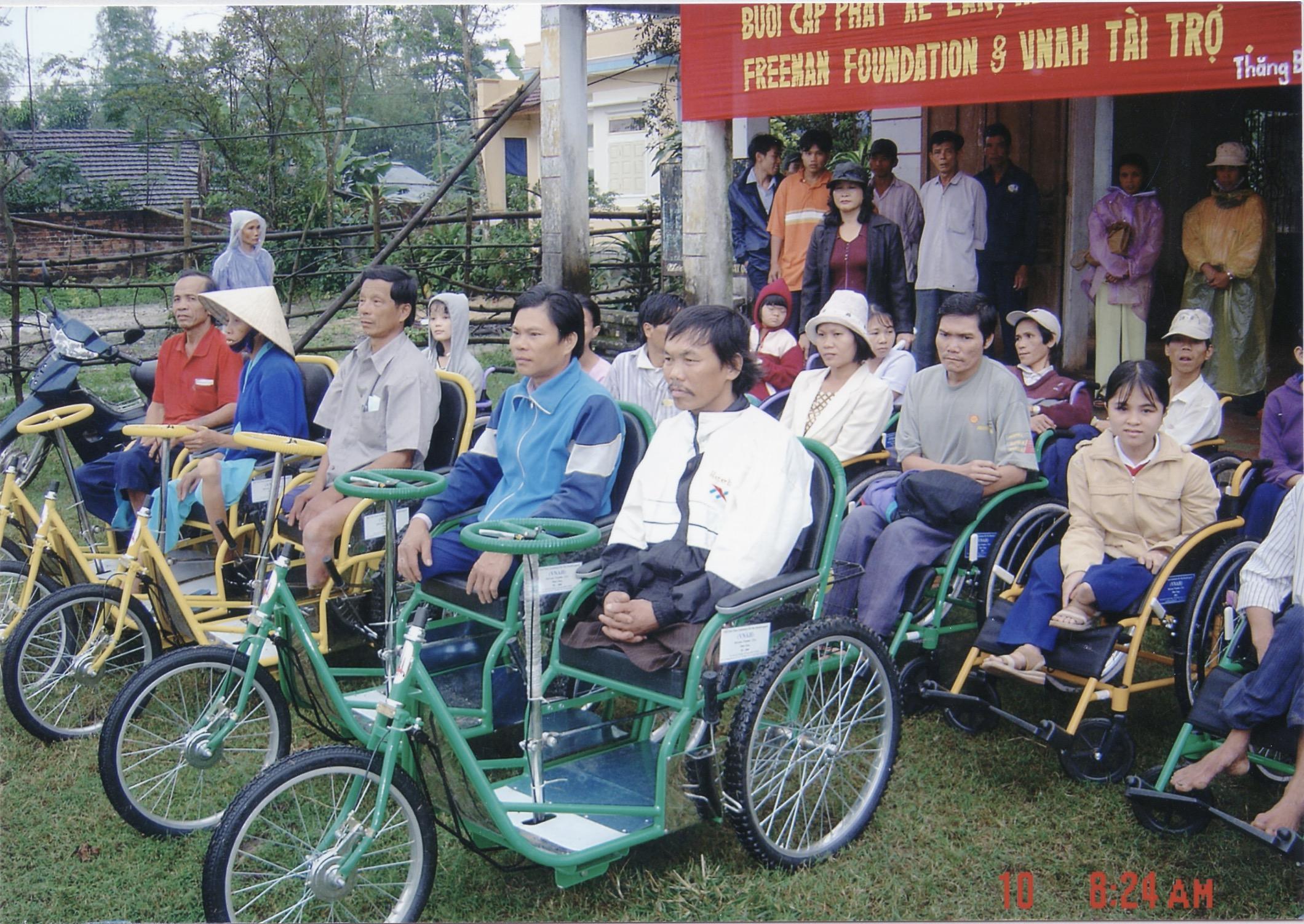 VNAH 2004 Amputees - 02.jpeg