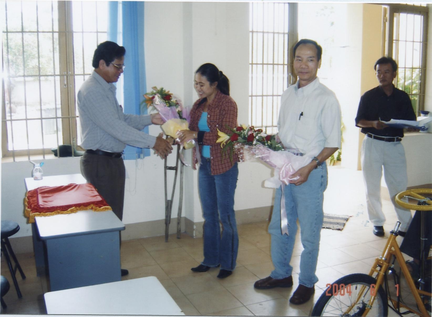 VNAH 2004 Amputees - 15.jpeg