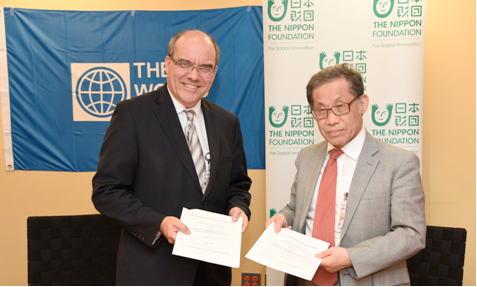 Ede Jorge Ijjasz-Vasquez, Senior Director for the World Bank Group's Social, Urban, Rural and Resilience Global Practice (left) and Shuichi Ohno, Executive Director of The Nippon Foundation at the signing.