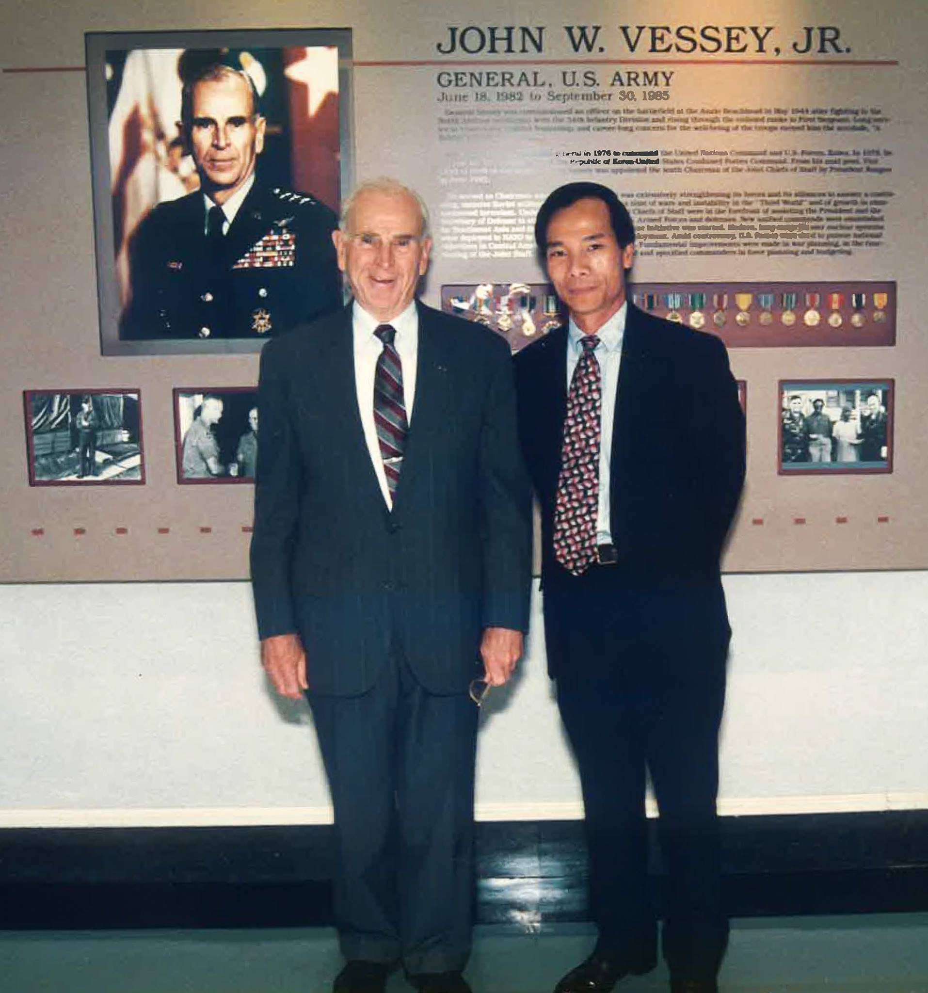 General John Vessey, former Chairman of the Joint Chiefs of Staff and Ca Tran.