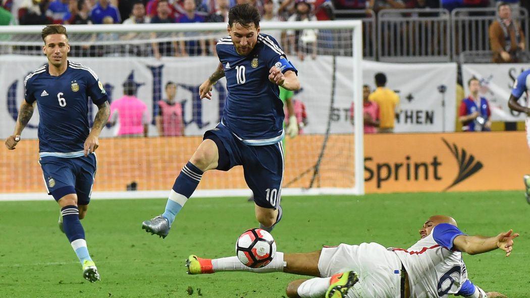Lionel Messi vs. USA.jpg