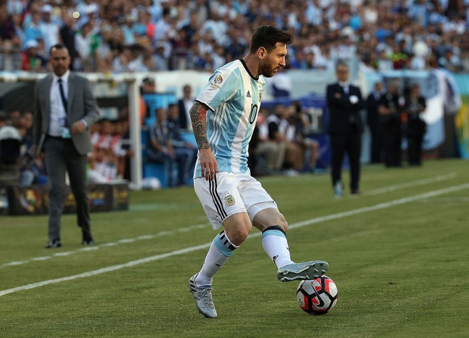 Lionel Messi on ball.jpg