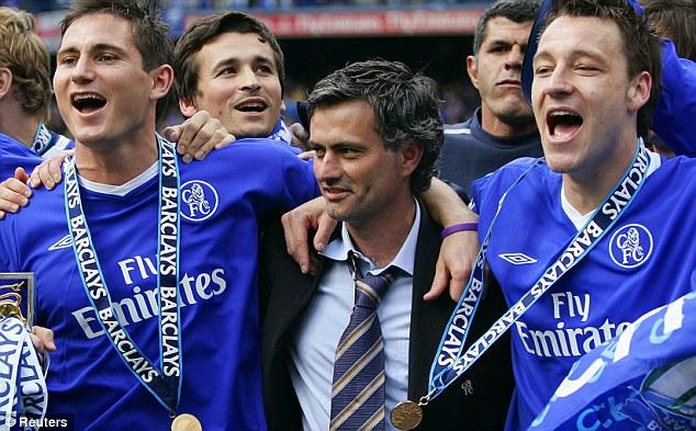 Mourinho with players.jpg