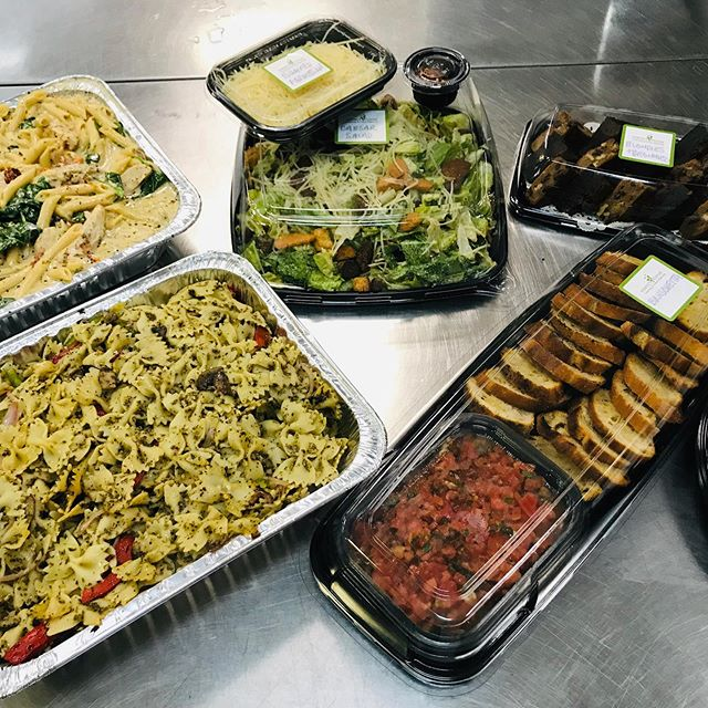 A sampling from our newest Office Catering Menu: Tuscan Chicken Penne with Smoked Gouda 🧀 Cream Sauce, Mediterranean Bowtie Pasta with Pesto, Bruschetta 🍅, Caesar Salad 🥬 and an assorted Dessert Tray of Blondies & Chocolate Brownies 🍫. Visit our website for more offerings and AMAZING 🤩 Catering Packages for your next Office Lunch! 👏🏼👏🏼👏🏼 #officelunch #officecatering #tampabay #tampabay #tampacatering #fresh