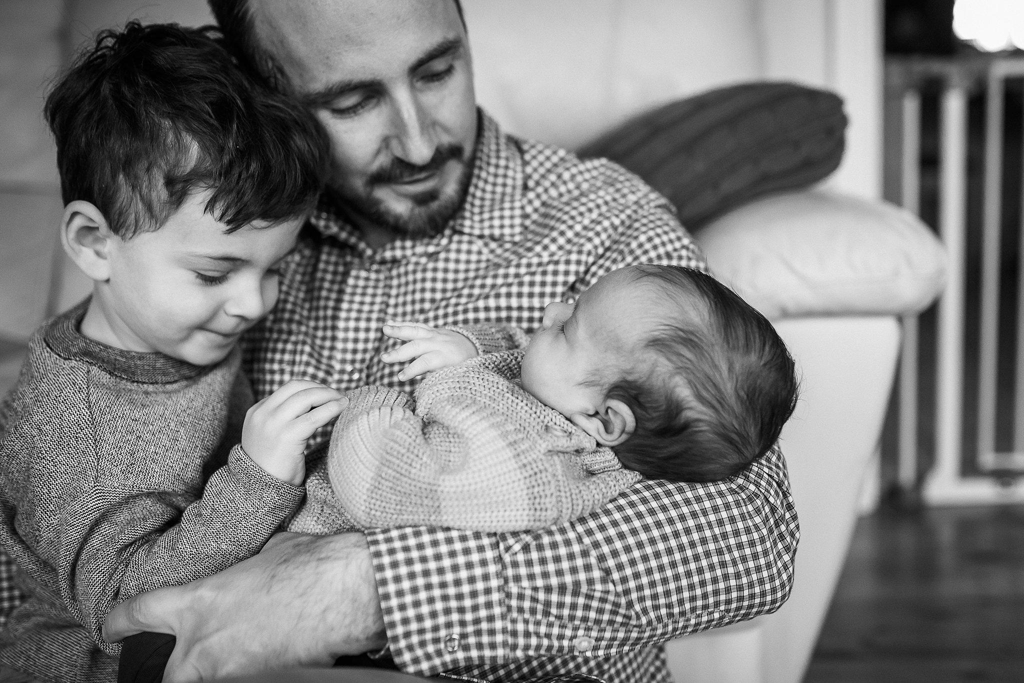 newborn-baby-in-home-family-photography-albury-wodonga-north-east-victoria (4).jpg