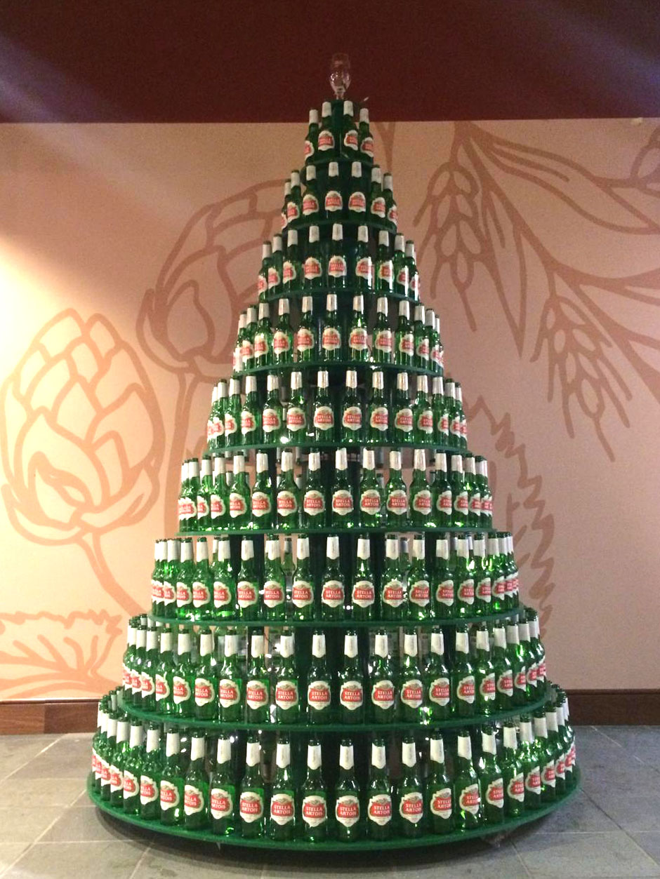 Illumivation Visual Merchandising Christmas Tree Stella Beer Decorations Marketing.jpg