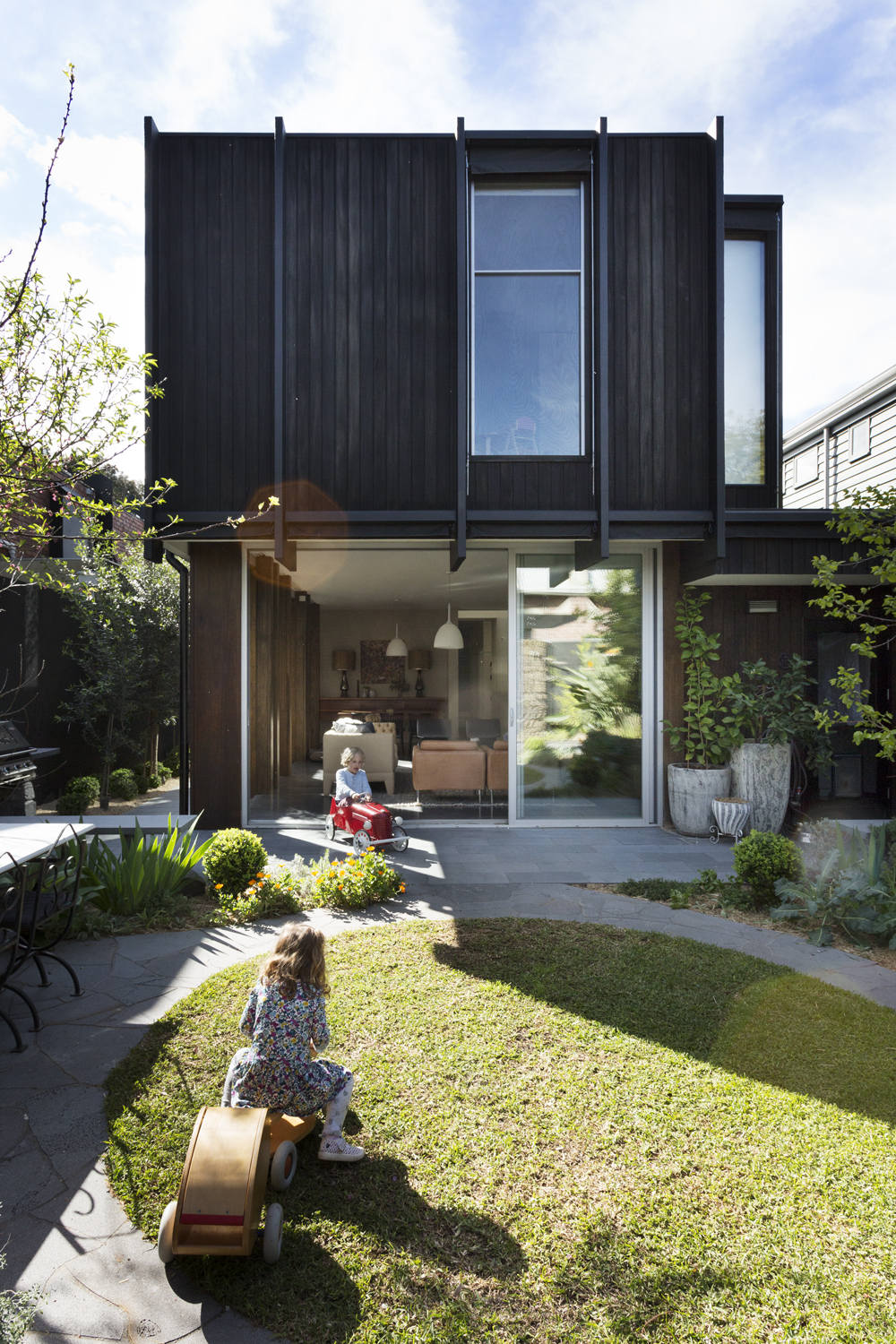 Clifton Hill House by David Neil Landscape Architecture by Meredith Lee