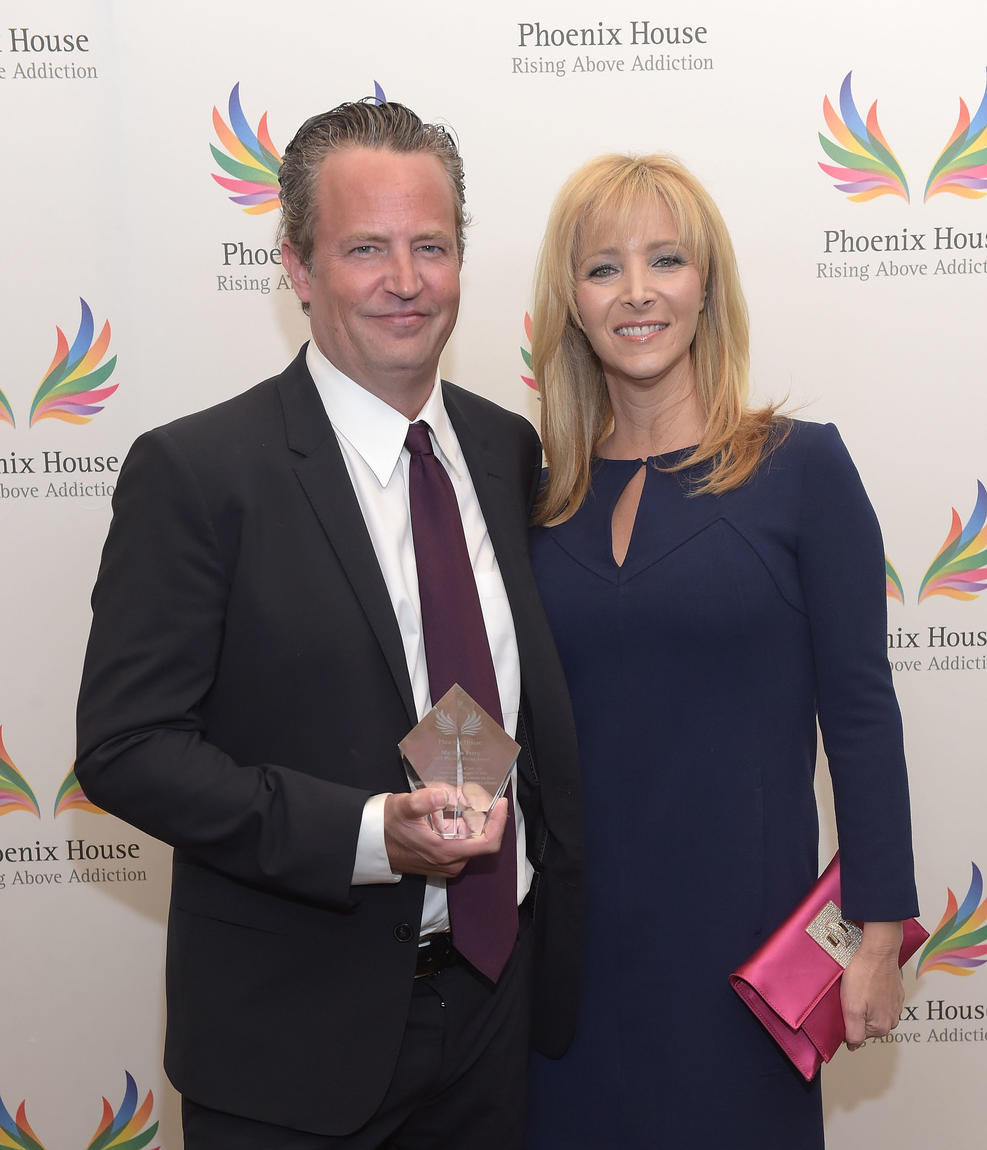 Getty Images. Actor Matthew Perry and actress Lisa Kudrow attend Phoenix House's 12th Annual Triumph For Teens Awards Gala at the Montage Beverly Hills on June 15, 2015 in Beverly Hills, California.