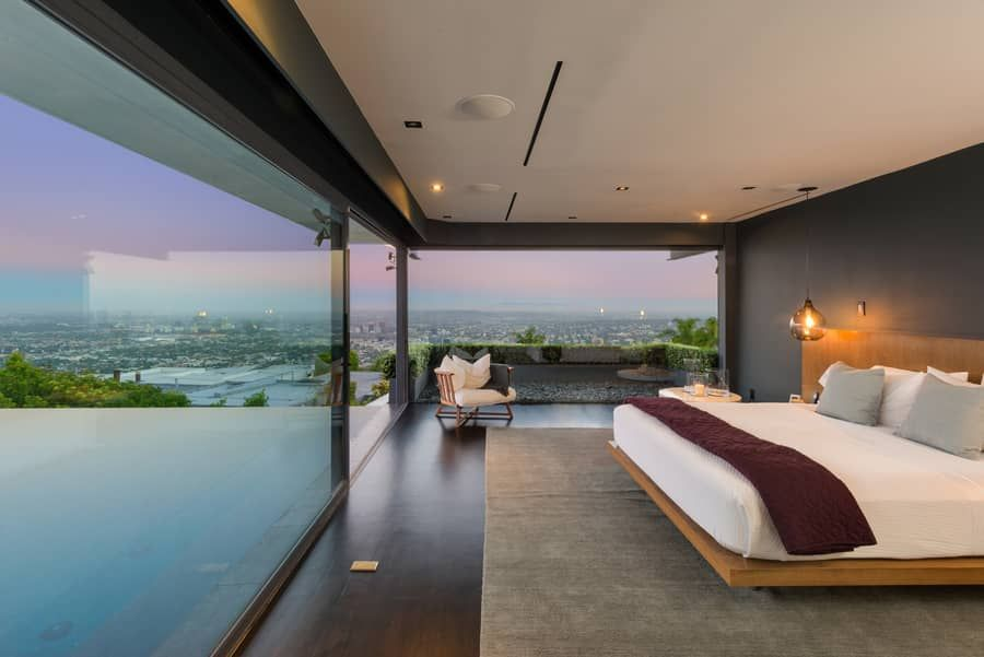 Matthew-Perry-Hollywood-Hills-House-For-Sale-Master-Bedroom.jpg
