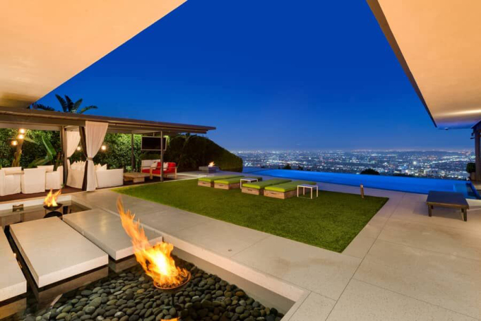 matthew-perrys-flawless-sunset-strip-contemporary-can-be-yours-for-a-mere-13-5m8.jpg