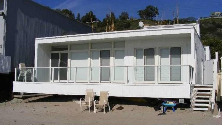 The 1950s home on Malibu's Carbon Beach sits on 45 feet of frontage. (Realtor.com)