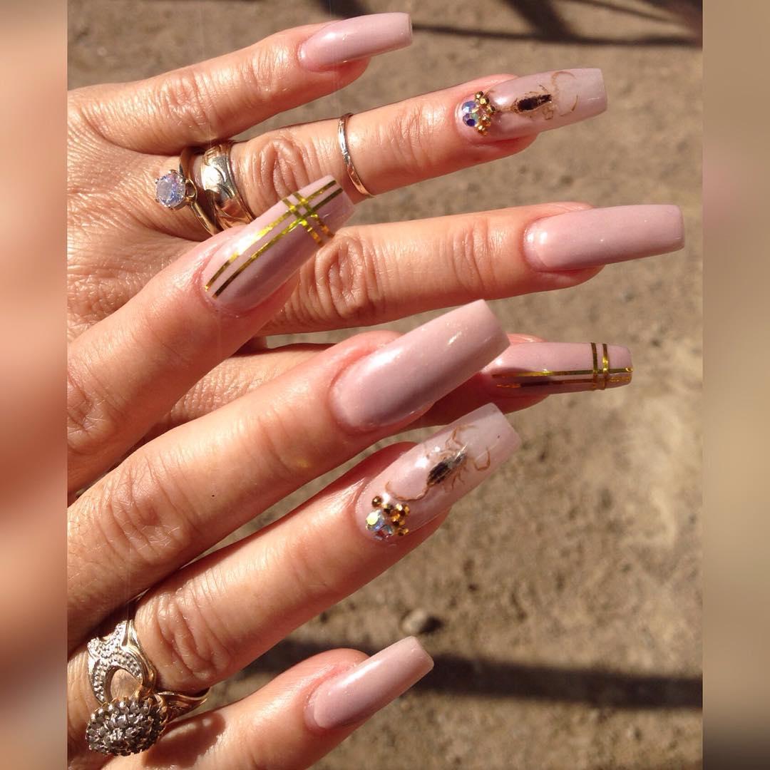 Photo:  instagram.com/annas_trendynails