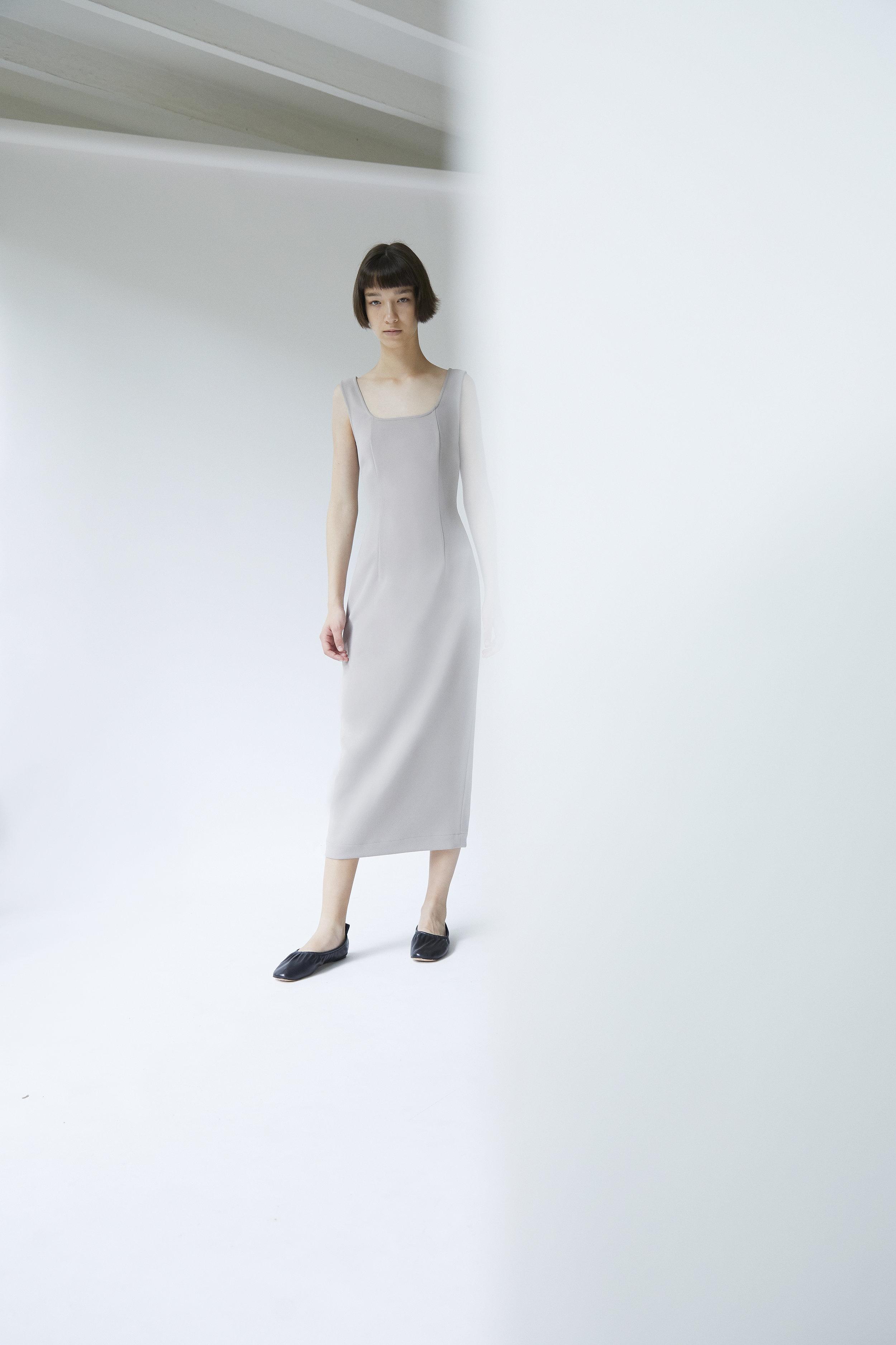 BEACON     scoop neck dress in CONCRETE