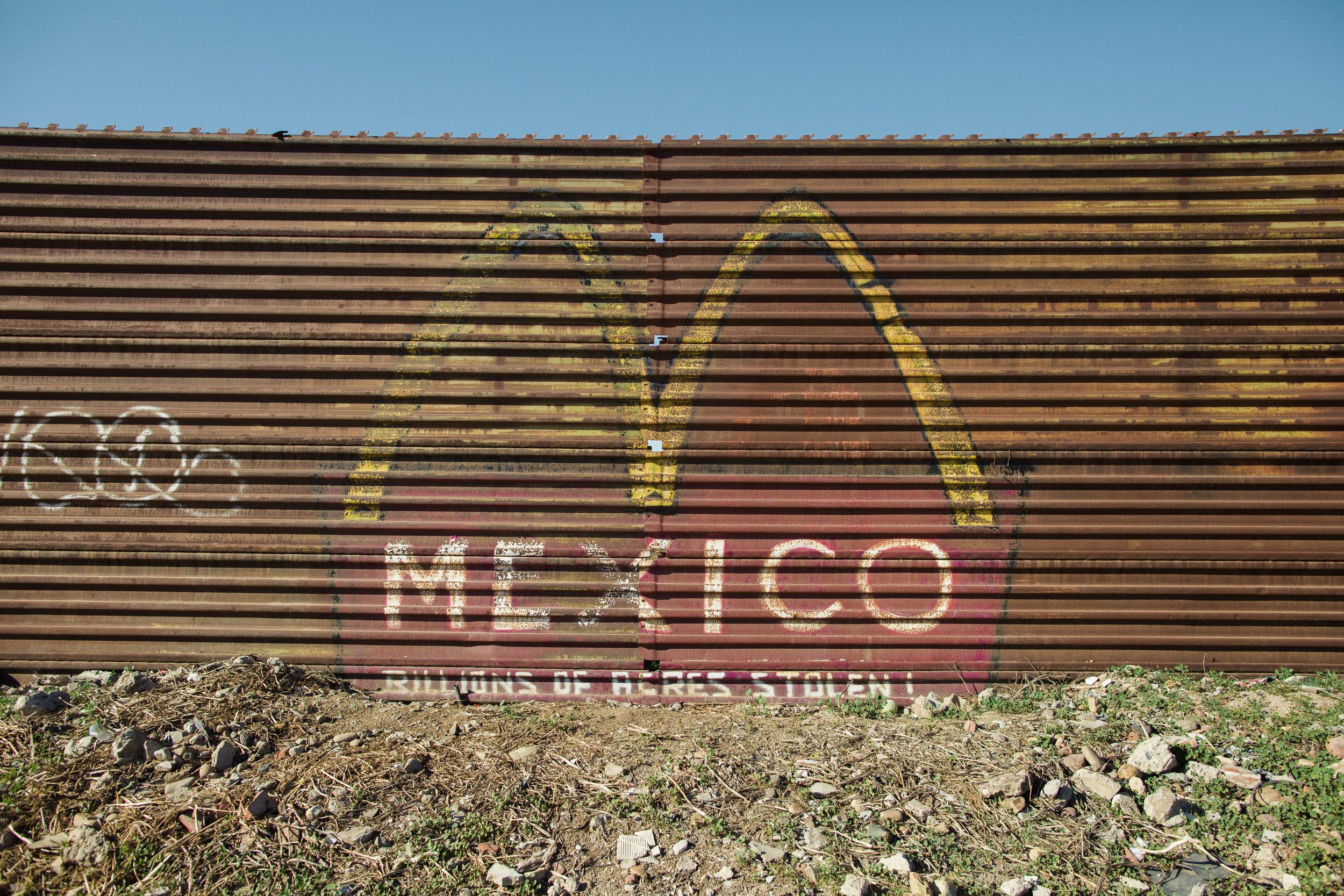 Tijuana-Wall-AMBOSWknd01-0023.jpg