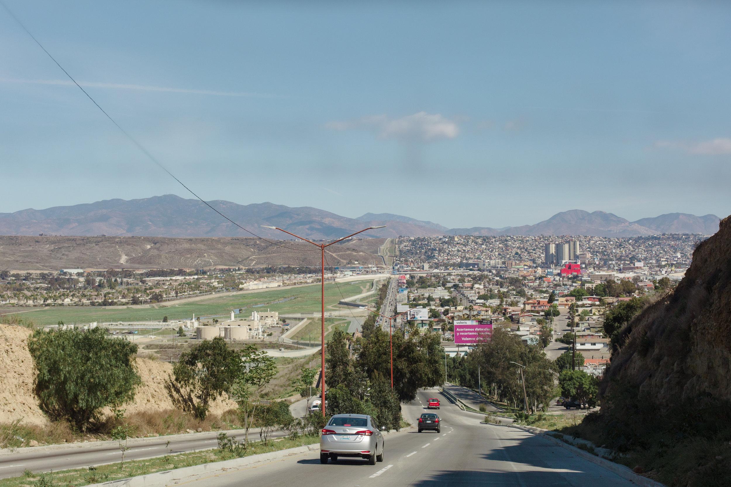 Tijuana-Wall-AMBOSWknd01-0081.jpg
