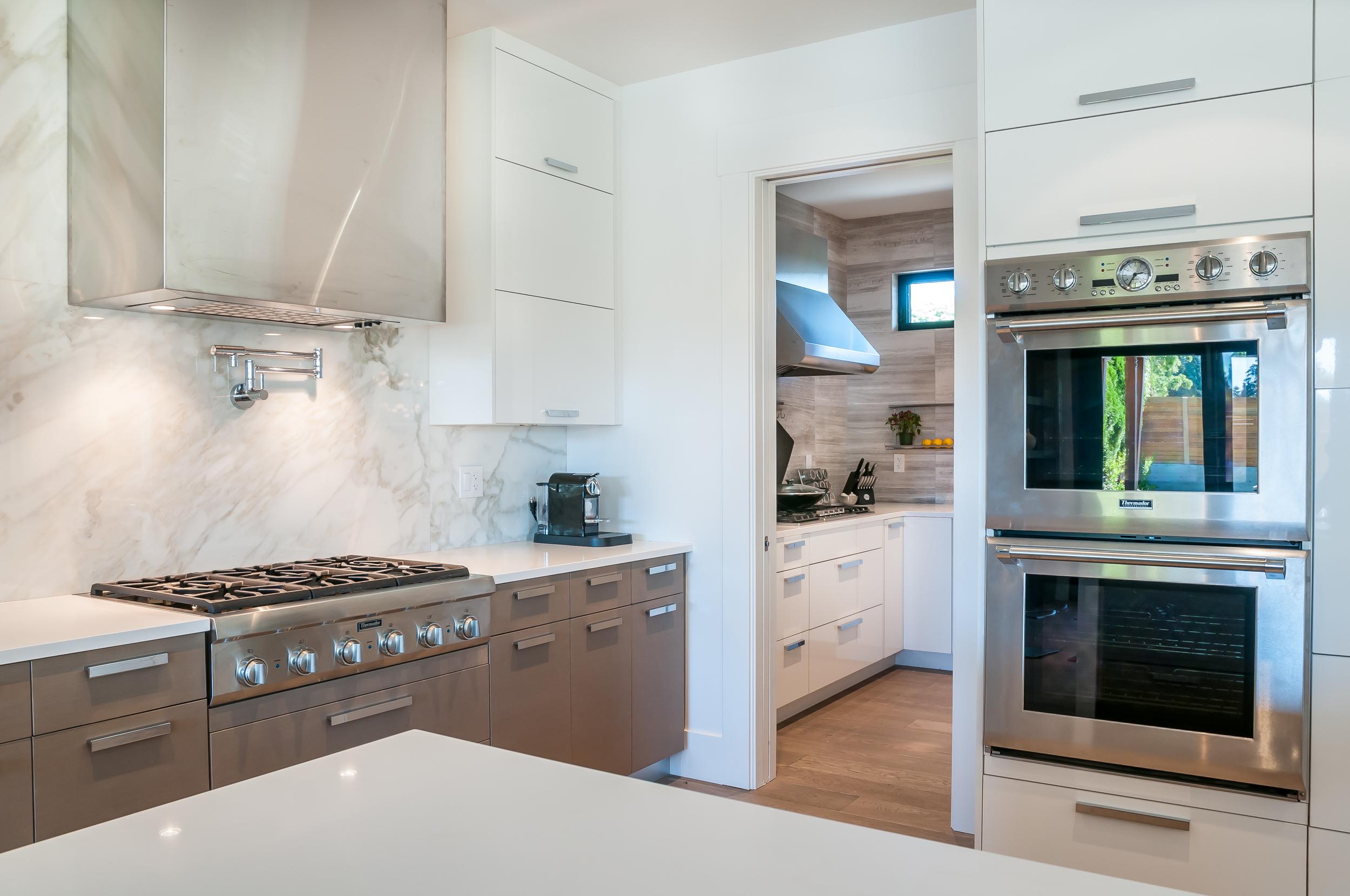 6 - Blaine_House_12_Main_Kitchen.jpg