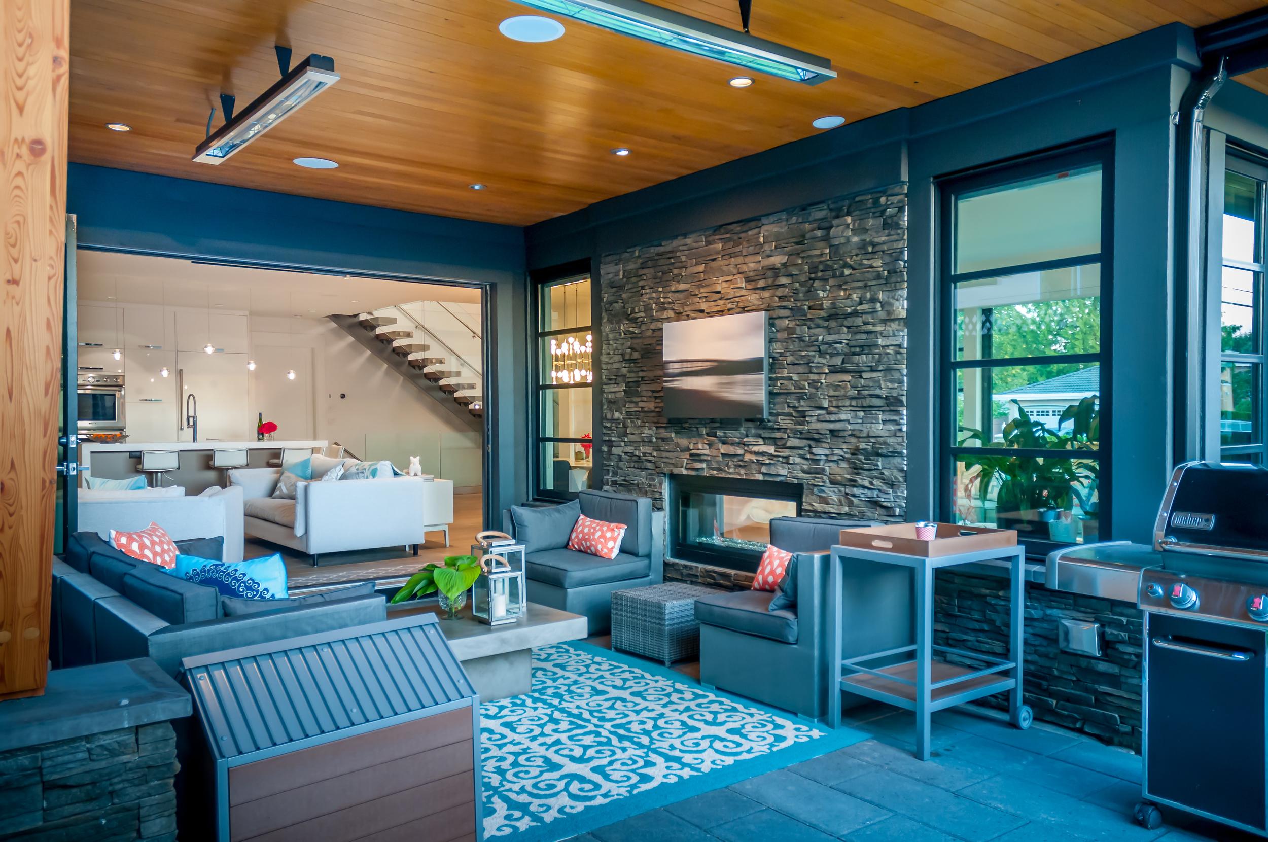 14 - Blaine_House_23_Outdoor_Deck.jpg