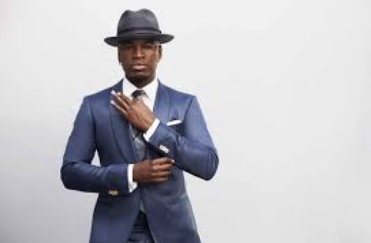 Neyo goes by Neyo in the studio and Shaffer Chamere Smith to fam and friends. The name Neyo was inspired by him seeing music the way Neo saw  the Matrix .