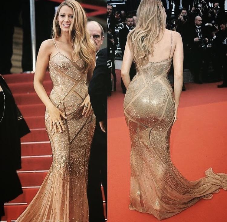 Dress: @versace_official • Jewelry: @lorraineschwartz