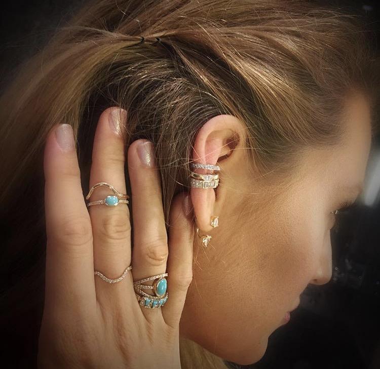 Rings: @enamelle @mociun • Earrings: @anitakojewelry