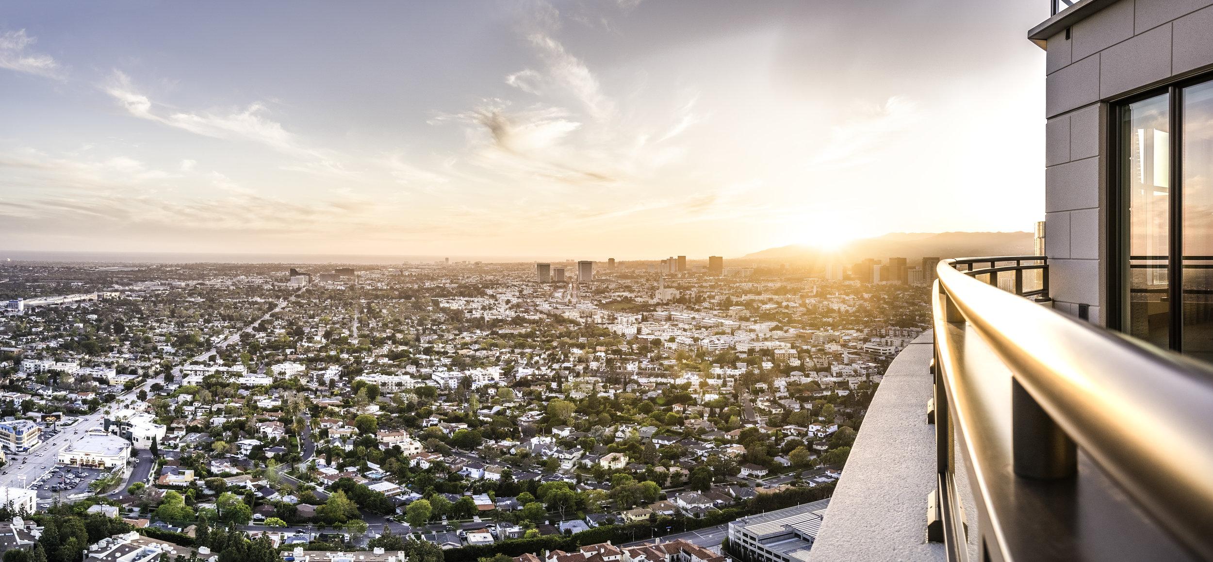 W Century Dr - Los Angeles