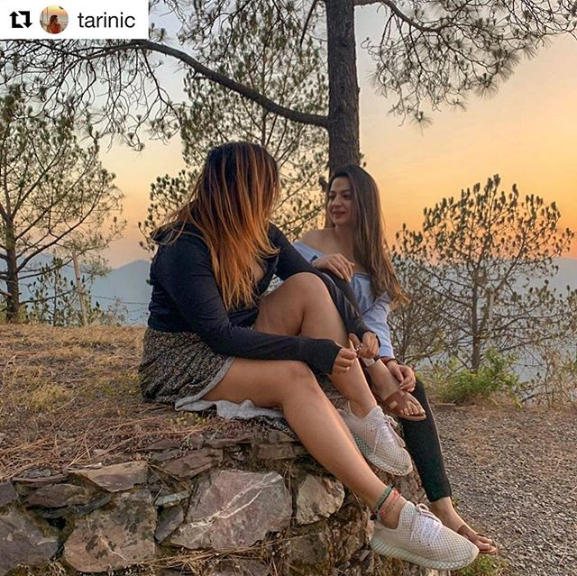 #Repost @tarinic with @get_repost ・・・ Dripping in gold #Melanin #AllBoutThatSunsetLyf ✨