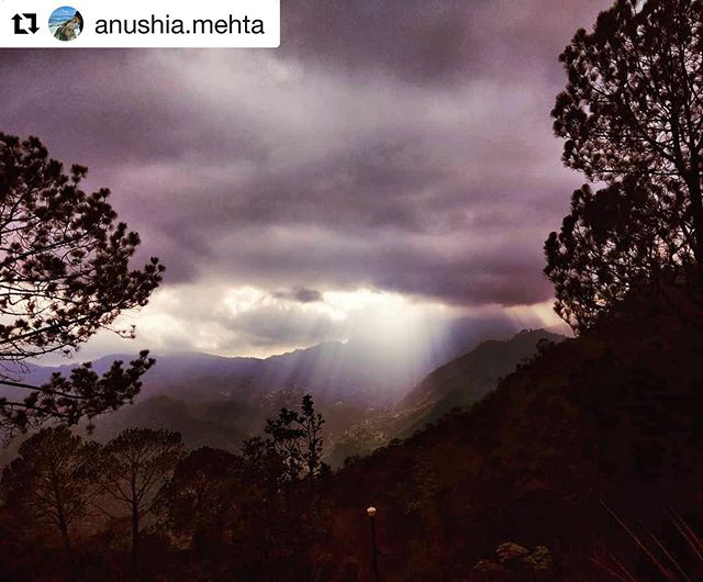 #Repost @anushia.mehta with @get_repost ・・・ Evening scenes @naveens_glen