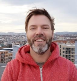 Olav kommer fra lederroller innen eiendomsutvikling, og har bred erfaring innen finans, logistikk, bygg, og eiendom.  olav@resirqel.no  T: 93206858
