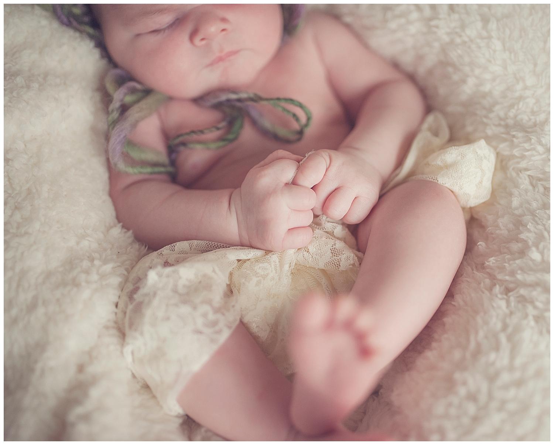 Sarah bee Photography, Cheshire New born Photography, Manchester newborn photographer, child and family Photographer manchester_0020.jpg