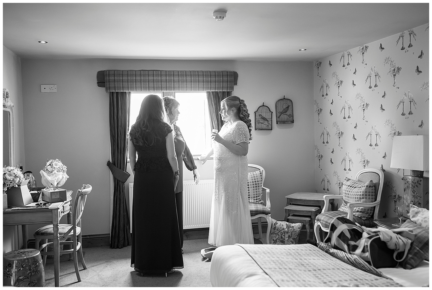wedding photography with sarah bee photography at The Huntsmen Holmfirth documentory photographer_0090.jpg