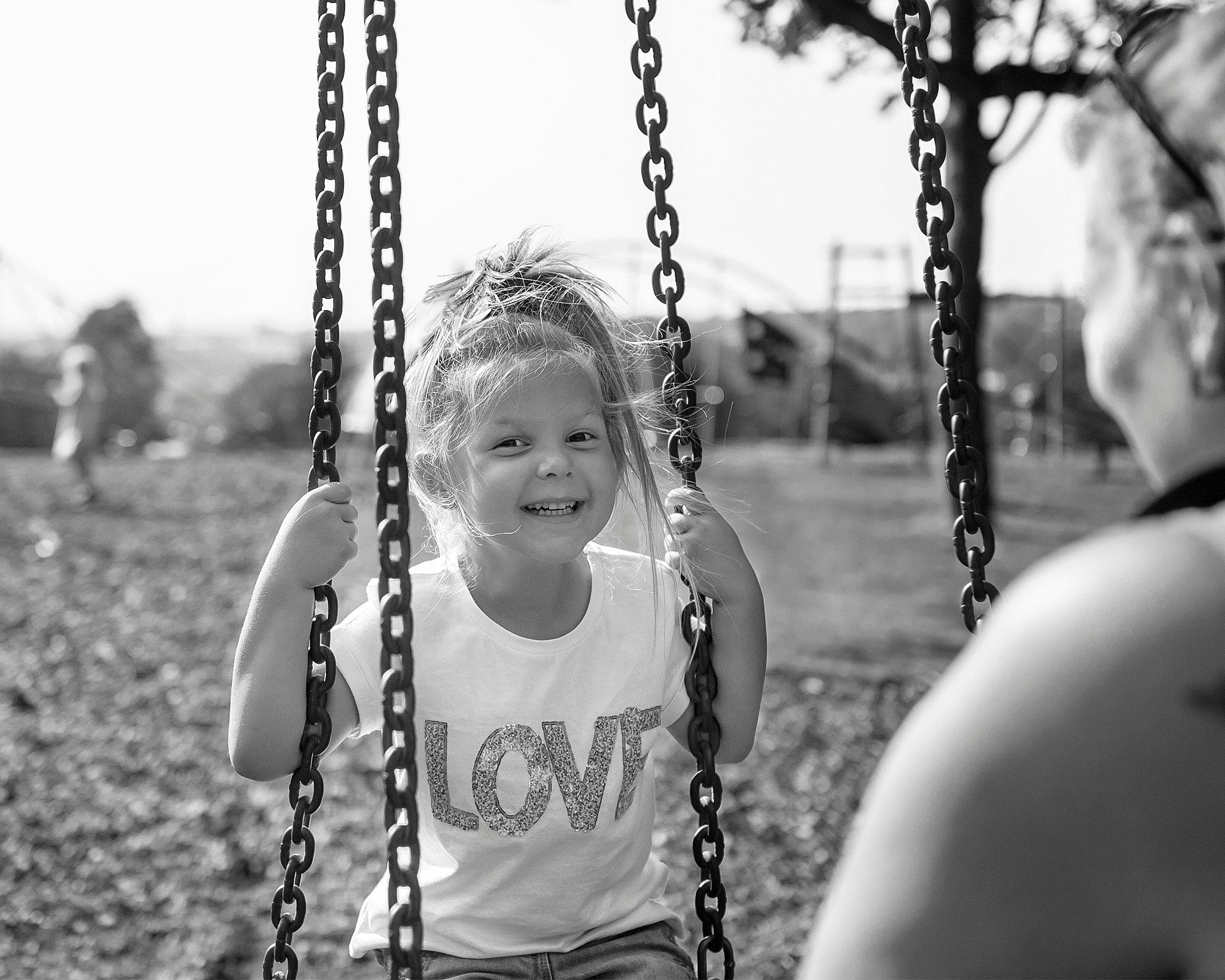 Family_portraits_Family_photographer_family_photography>out_door_photo_shhoots_family_photo_shoots_photographers_near_me Sarah_bee_photography_1303.jpg