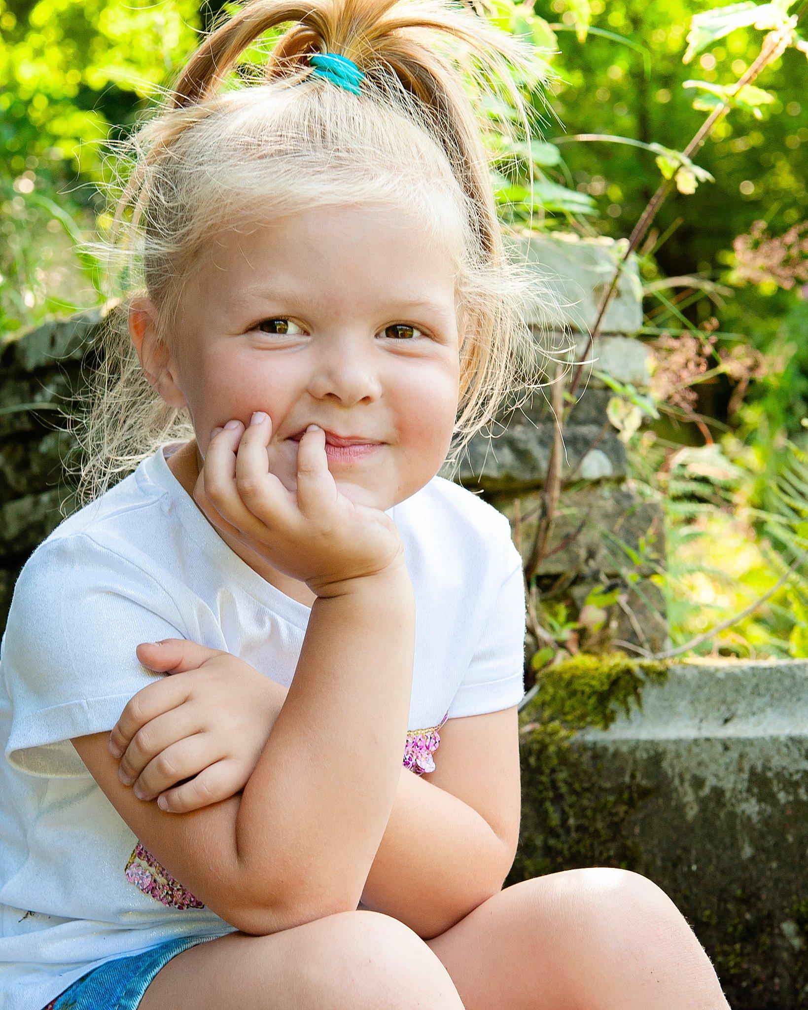 Family_portraits_Family_photographer_family_photography>out_door_photo_shhoots_family_photo_shoots_photographers_near_me Sarah_bee_photography_1307.jpg