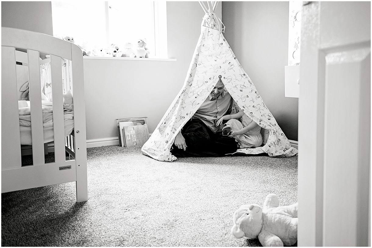 Newborn_photography with Sarah_bee_photography lifestyle_photography family_photography natural_photography photography_in_your_own_home baby_and_child_photography_1928.jpg