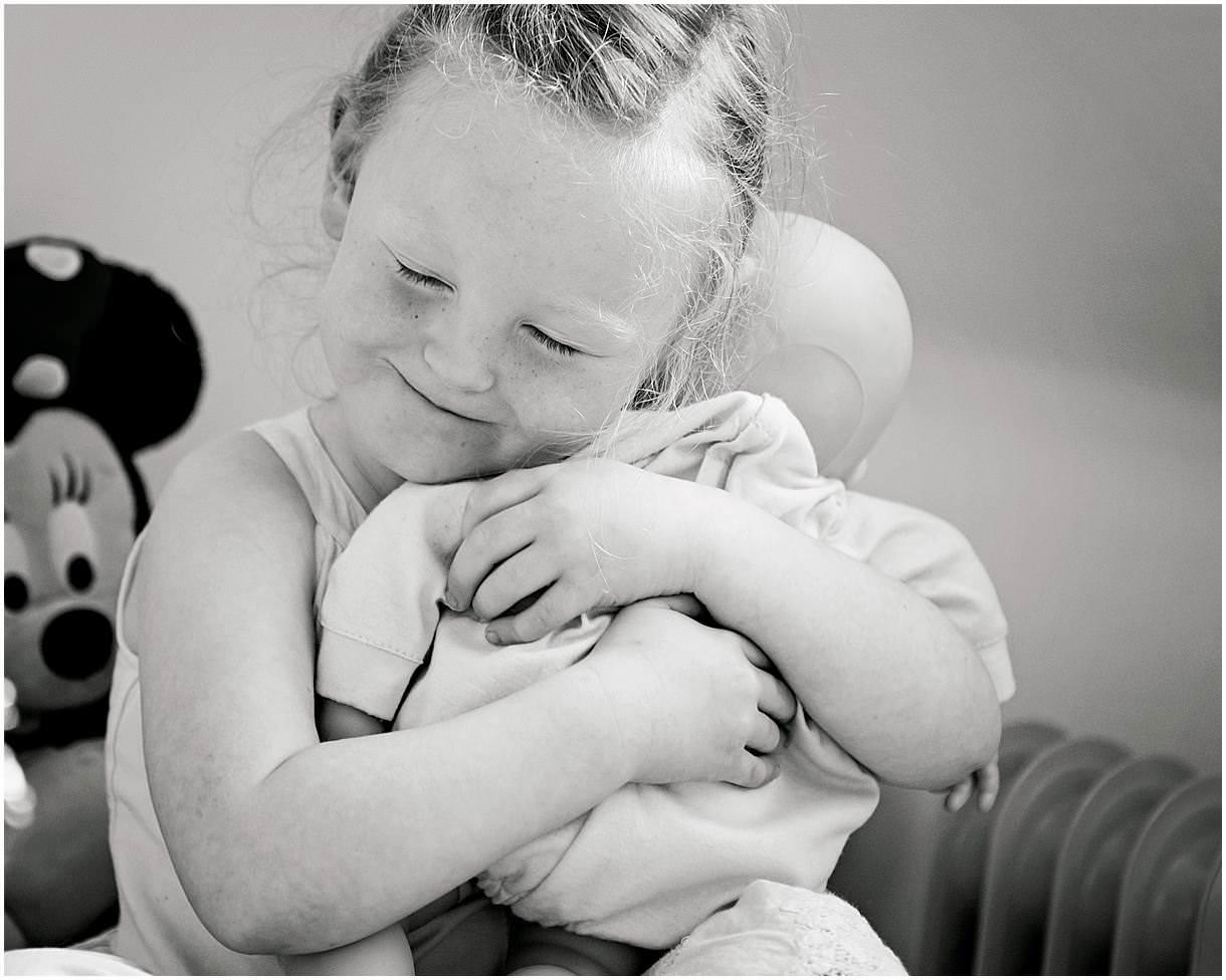 Newborn_photography with Sarah_bee_photography lifestyle_photography family_photography natural_photography photography_in_your_own_home baby_and_child_photography_1937.jpg