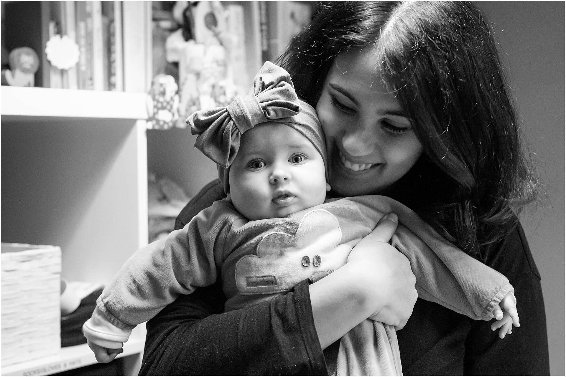 Newborn_photography with Sarah_bee_photography lifestyle_photography family_photography natural_photography photography_in_your_own_home baby_and_child_photography_1942.jpg