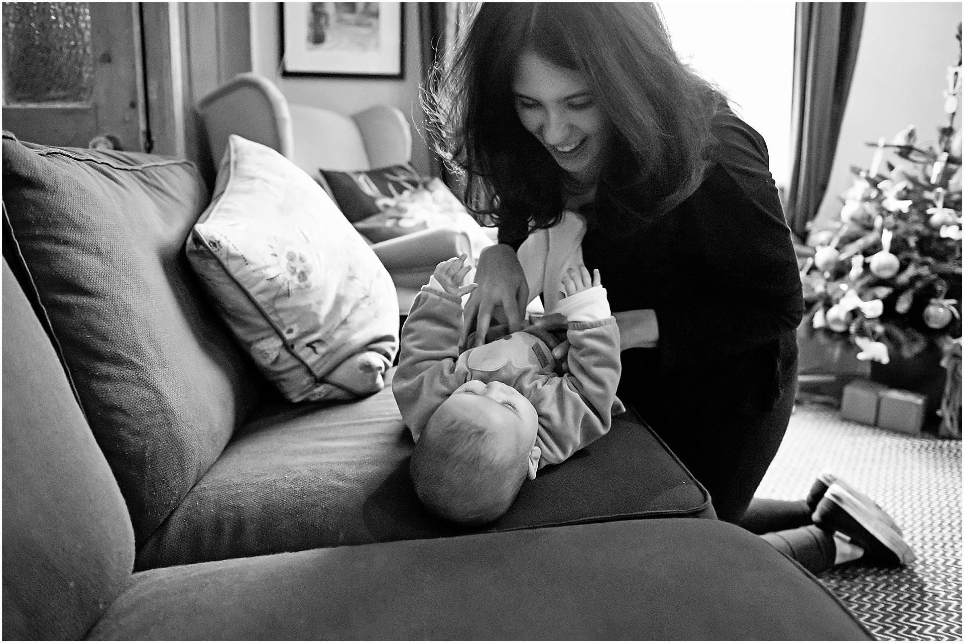 Newborn_photography with Sarah_bee_photography lifestyle_photography family_photography natural_photography photography_in_your_own_home baby_and_child_photography_1947.jpg