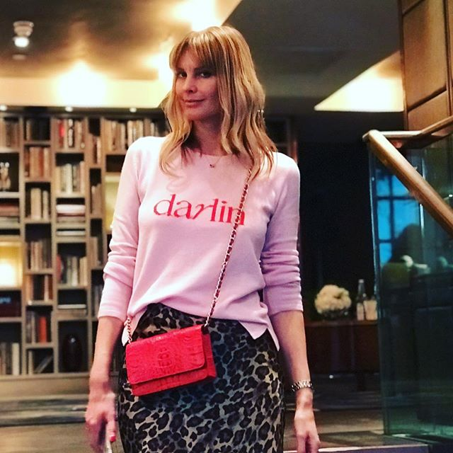 Thank you @malin_darlin. Looking gorgeous in her fabulous cashmere brand and Alissya London bag. 🌺🌸 My next trunk show is this Tuesday & Wednesday in Lincoln Street near Sloane Square.  DM for details.  New website coming soon. 👀👋 . . #nottinghill #chelsea #belgravia #london #knightsbridge #alissyalondon #kingsroad #noflashylabels #nosillypricetags #luxebags #bespoke #readytowear