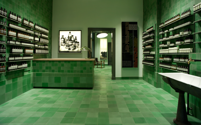 AESOP-GER-STORE-MITTE-LANDING-PAGE-IMAGE-700x437px-FA-1.png