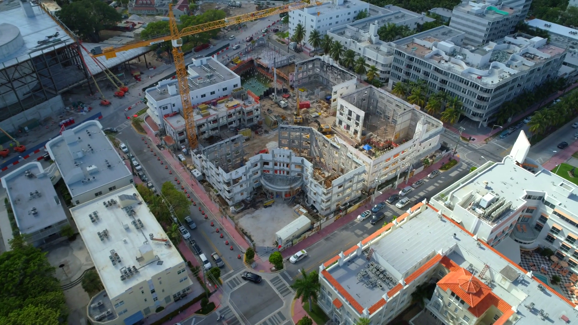 videoblocks-aerial-construction-sites-miami-beach-4k-60p_bm4pn1zbw_thumbnail-full01.png
