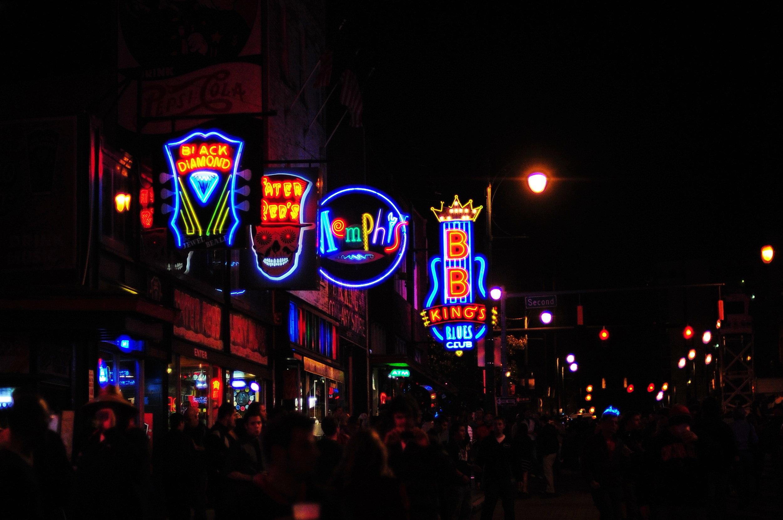 Beale_Street_Neon_Signs_SBv9uU3T8Exhu5uc07xr_Ep.jpg
