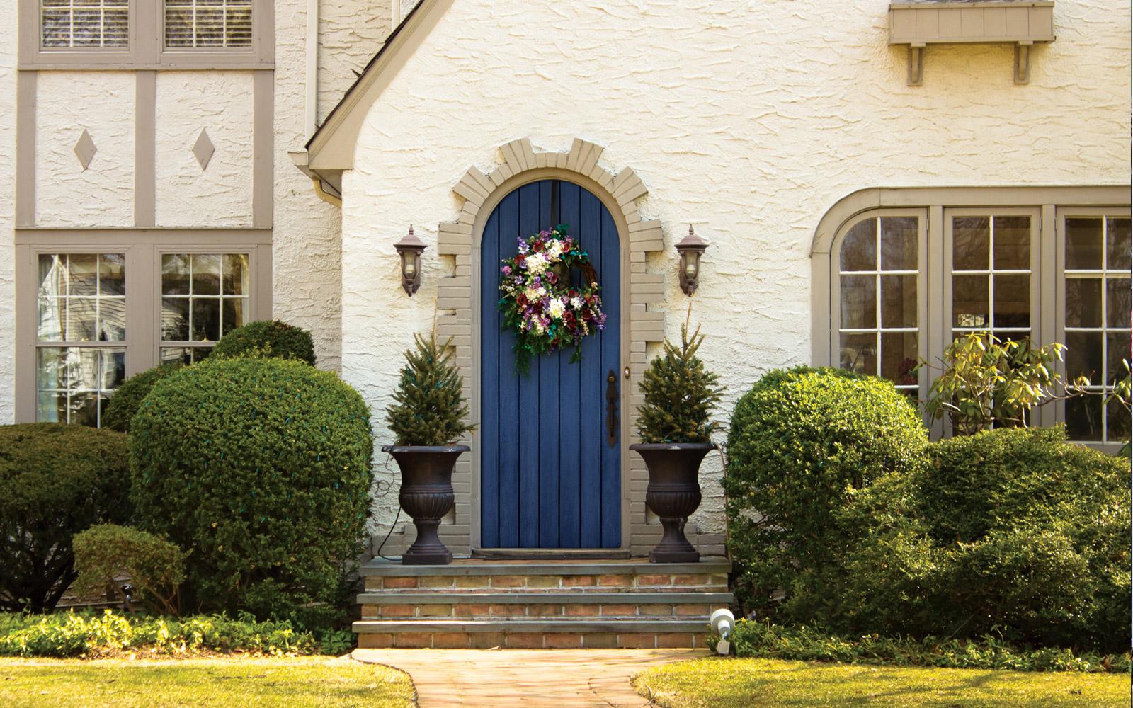 gallery--1600x1000--front-door-arch.jpg
