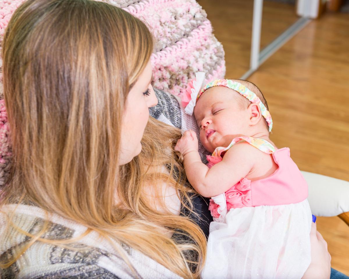 Will & Sheila 1 Month baby Nora-319.jpg