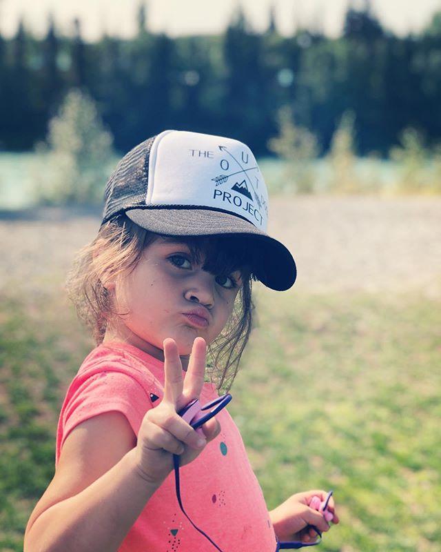 Cutie patootie supporting @theoutdoorprojectoc in Soldotna, Alaska. Playing outside beside a beautiful stream 🌊 ☀️ 🎣 🐠 🐟 🌲 🌳 #playoutside #theoutdoorprojectoc #kidsbelongoutdoors #outdoors #outside #healthymind #healthyheart #healthybody #freshair #alaska #kenai #soldotna #park #creek