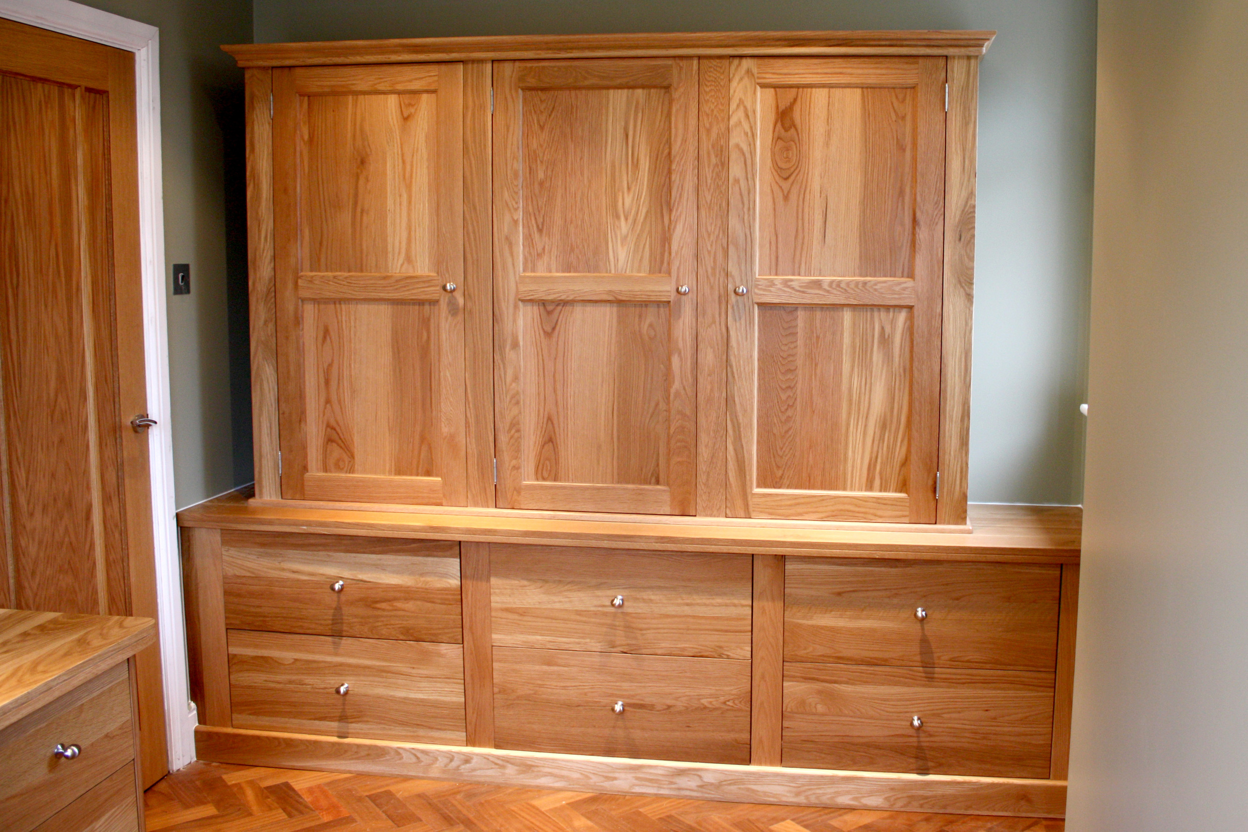 Reith's Furniture - custom bedroom furniture