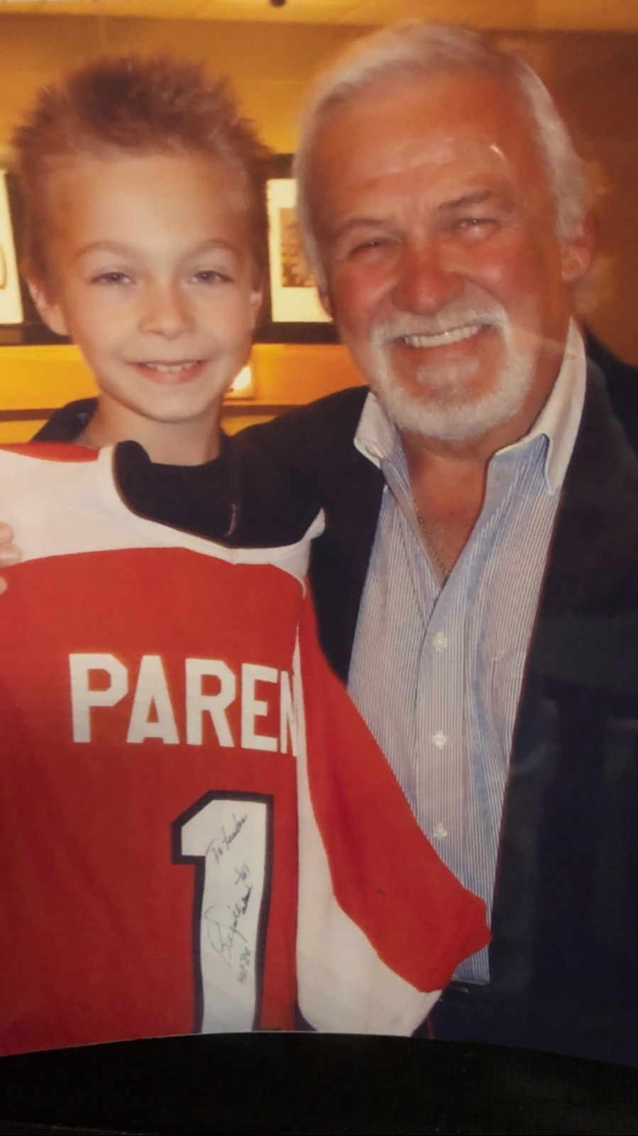 7 year-old Landen meeting Bernie Parent and claiming his prize for winning the bidding war