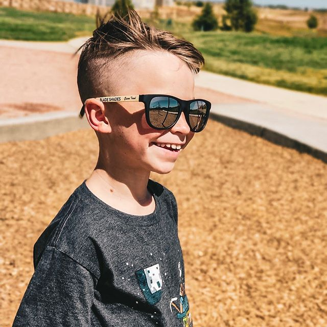 That weekend smile! Happy Friday everyone. Season is coming up, get your Blade Shades...🏒😎 — #hockeyislife #nhl #sunglasses #sunglasseskid #hockeystick