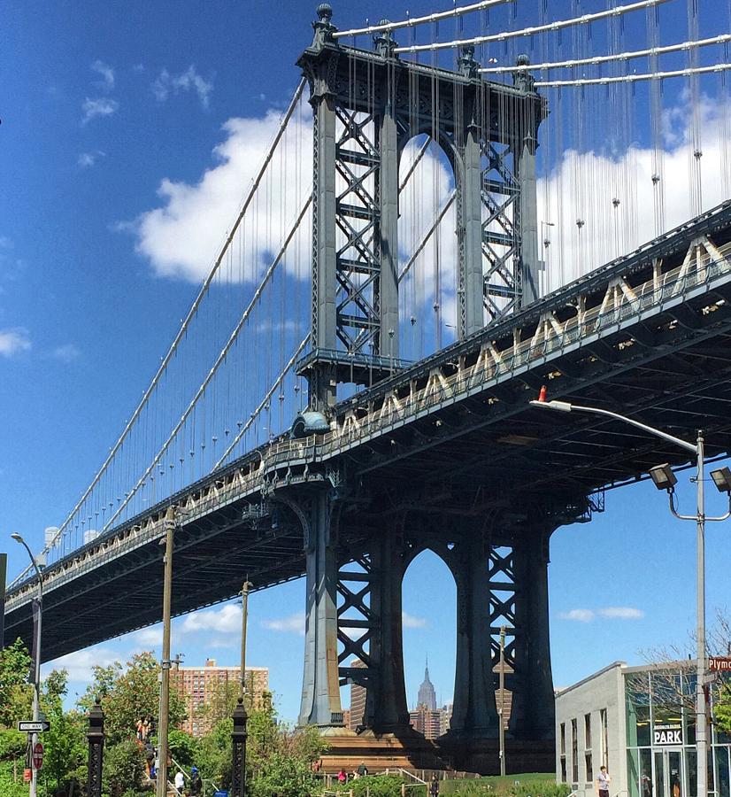 Manhattan Bridge, DUMBO, Brooklyn, New York.