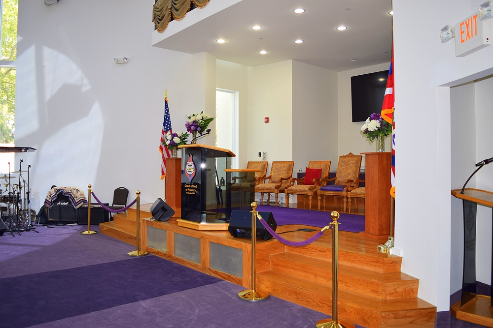 New podium for Jerusalem Avenue Church of God of Christ