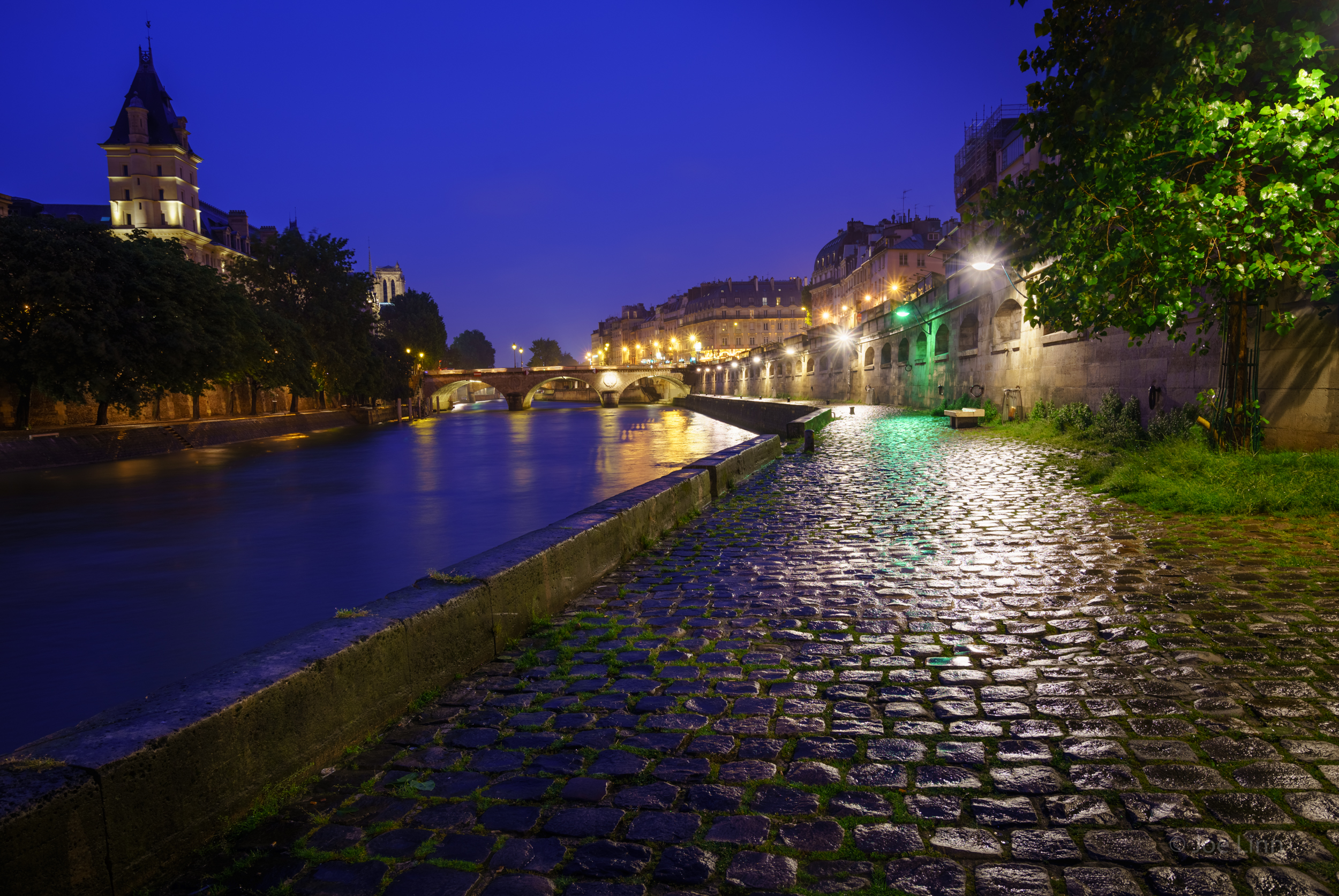 Sous les ponts de Paris (Under the bridges of Paris)